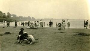 B 205.Newnham Sands 1934